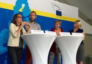 Debatt om vad EU gör för EU-migranters rättigheter med Bodil Valero (MP), Niclas Persson (MP), Johanna Westeson (Civil Rights Defenders) och Linnea Sandström Lange (Läkare i världen).