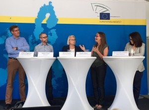 Debatt om det katalanska fallet i EU med Johan Häggman (expert på flerspråkighet), Albert Royo (DIPLOCAT), Maria Badia (Kataloniens regering), Bodil Valero (MP) och Nuria Gonzalez Campaña (Oxford University).