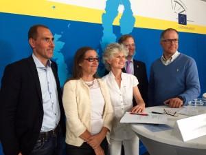 Debatt om EU:s nya vapendirektiv med moderator Markus Bonekamp (Europahuset), Bodil Valero (MP), Anna Maria Corazza Bildt (M), Roland Dahlman (Svenska dynamiska sportskytteförbundet) och Torbjörn Larsson (Svenska jägareförbundet).